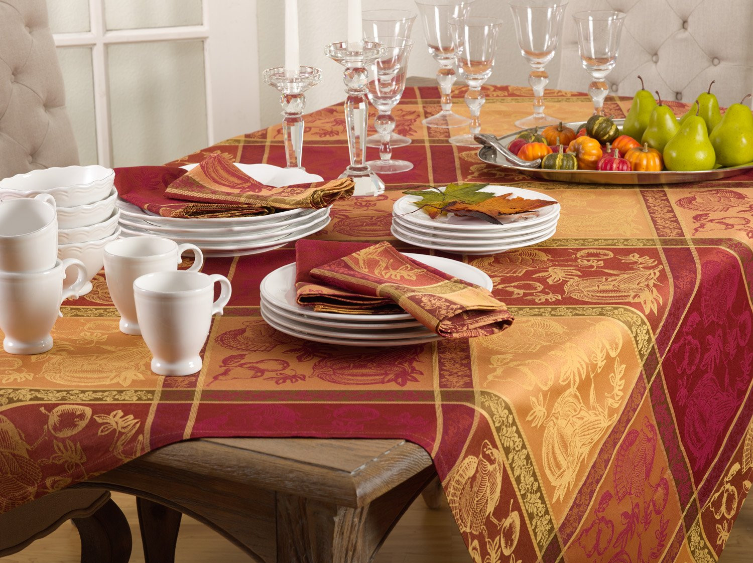 Thanksgiving Table Cloth  Jacquard Warm Thanksgiving Table linens tablecloth Napkins