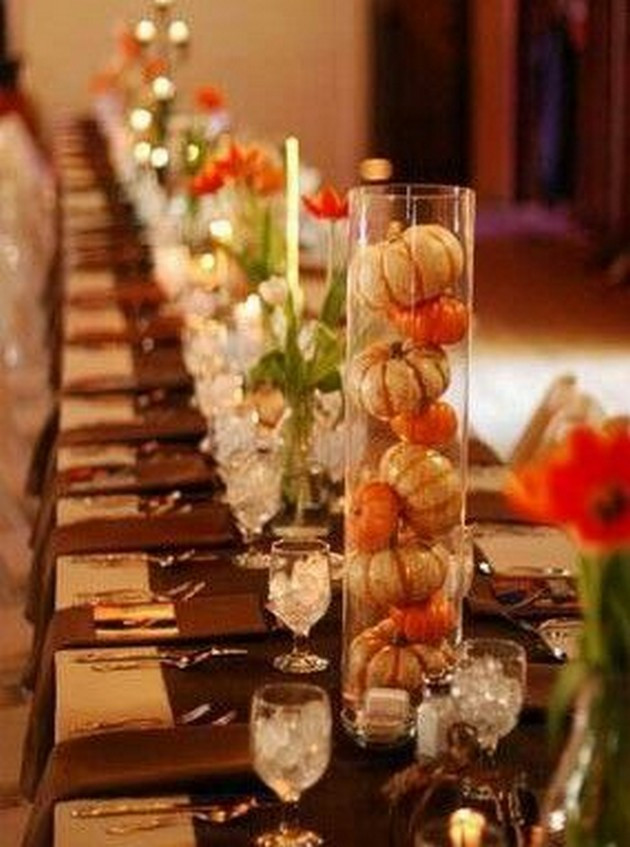Thanksgiving Table Decor  18 Ways to Decorate Your Pretty Thanksgiving Table
