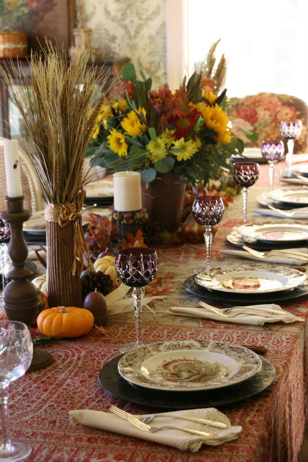 Thanksgiving Table Decor Ideas  vignette design A Traditional Thanksgiving Table