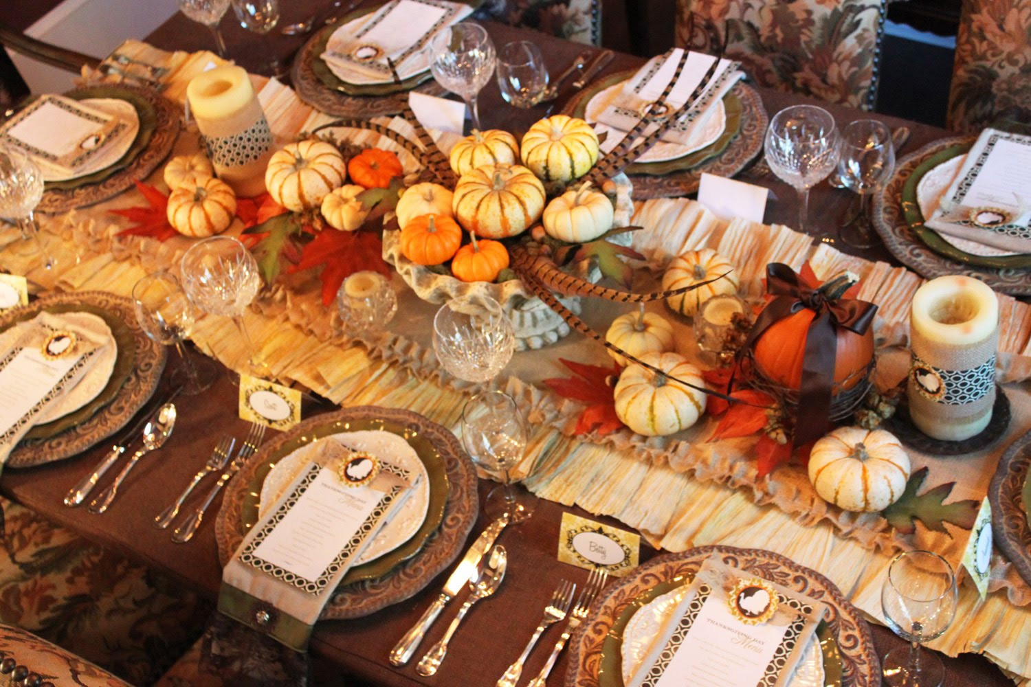 Thanksgiving Table Decor  A feast for the eyes Thanksgiving dinner table decorations