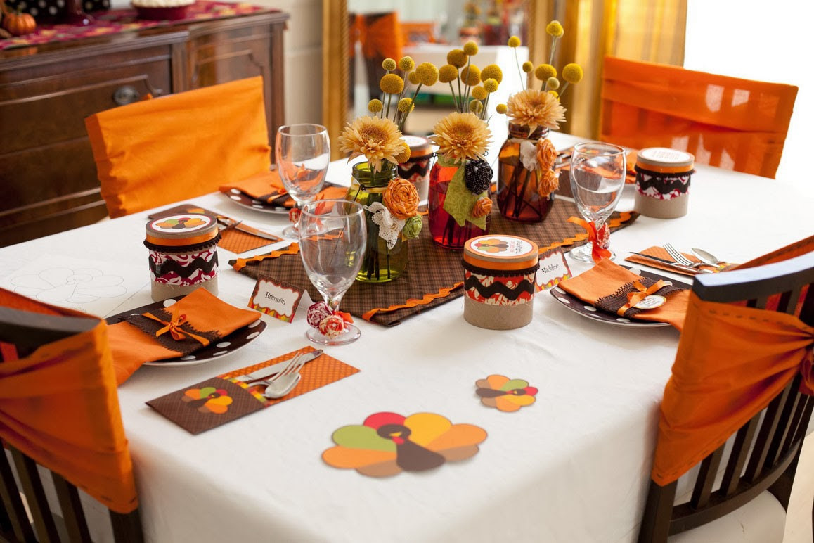 Thanksgiving Table Decorations  How to Throw a Great Thanksgiving Dinner Party for Your