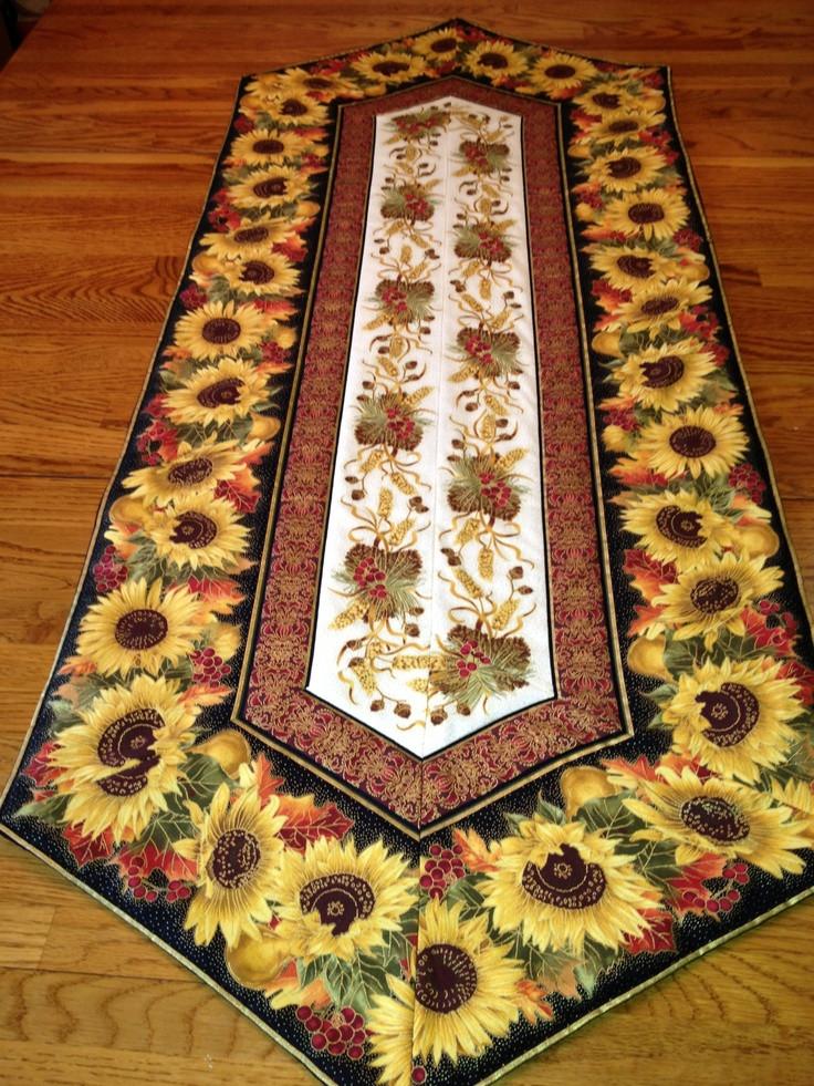 Thanksgiving Table Runner  Thanksgiving table runner Sunflowers