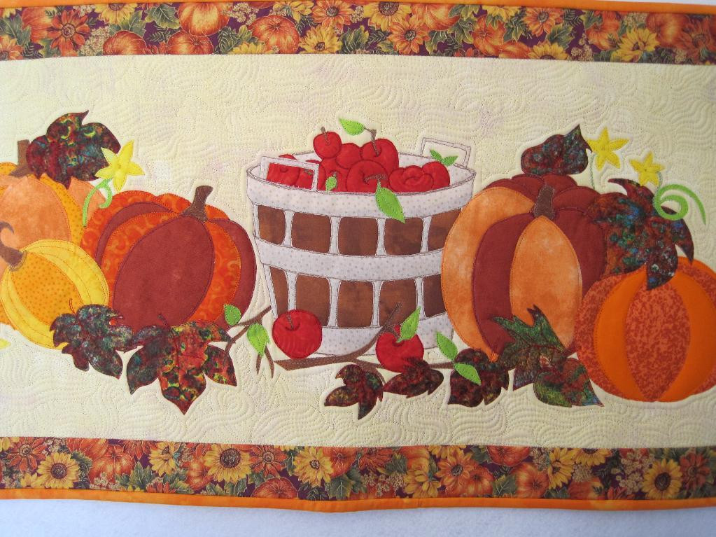 Thanksgiving Table Runner  Happy Harvest 6 Thanksgiving Quilts to Stitch