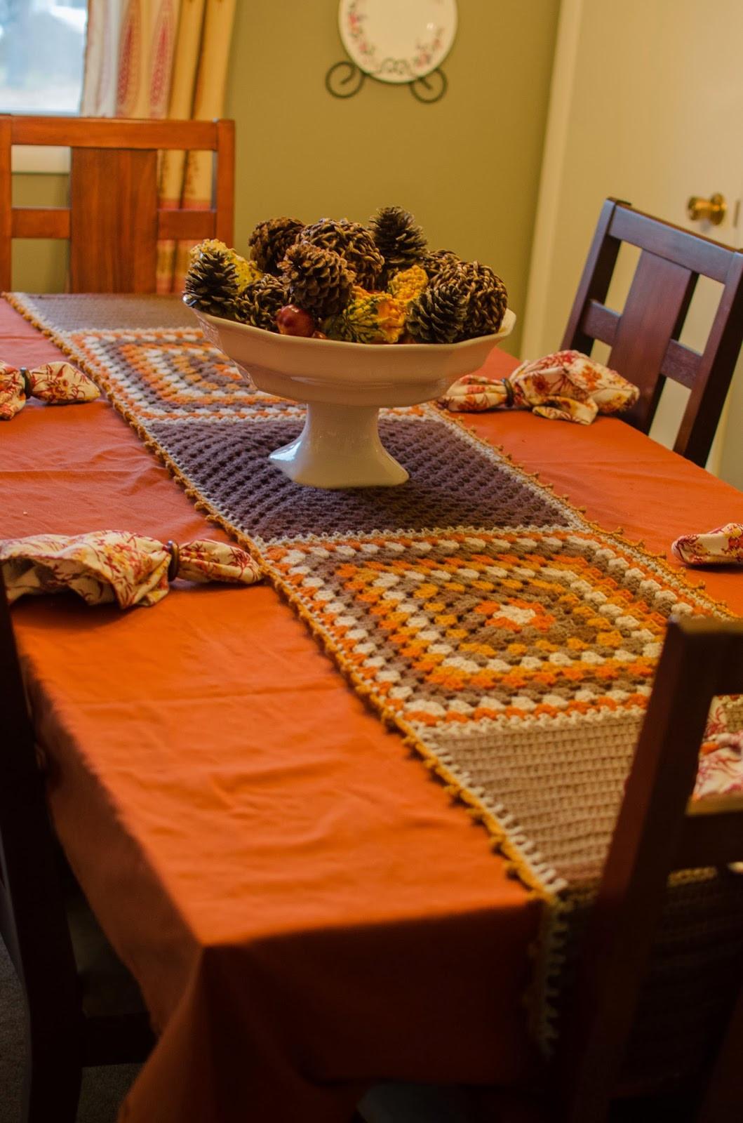 Thanksgiving Table Runner  chez sevo Thanksgiving Table Runner