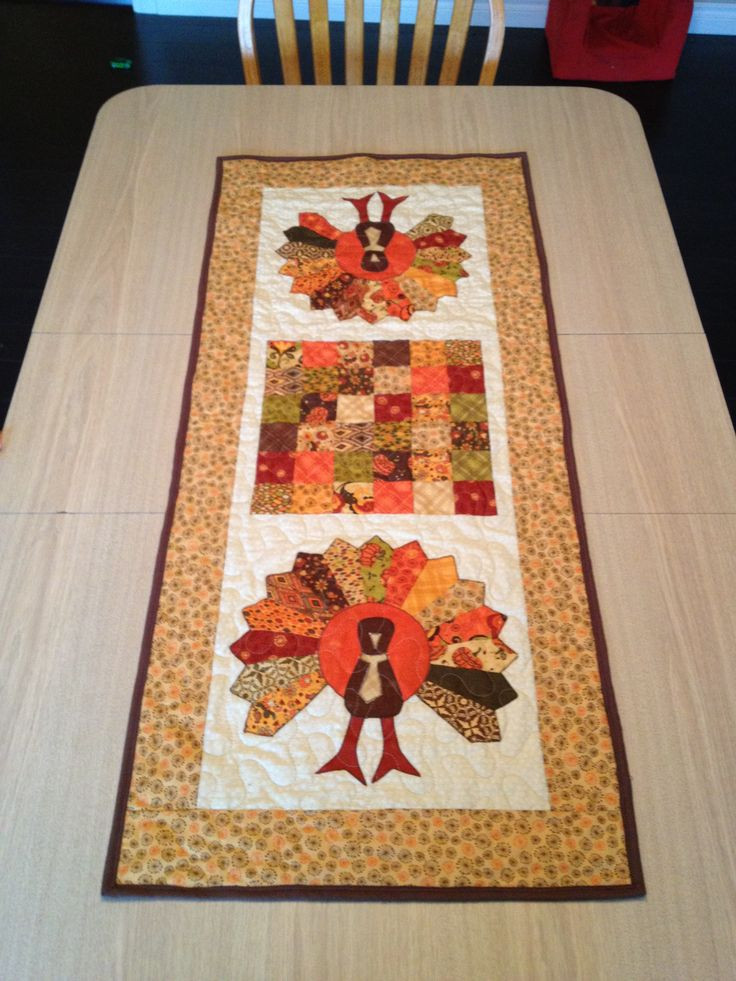 Thanksgiving Table Runners  32 best images about Sewing THANKSGIVING on Pinterest