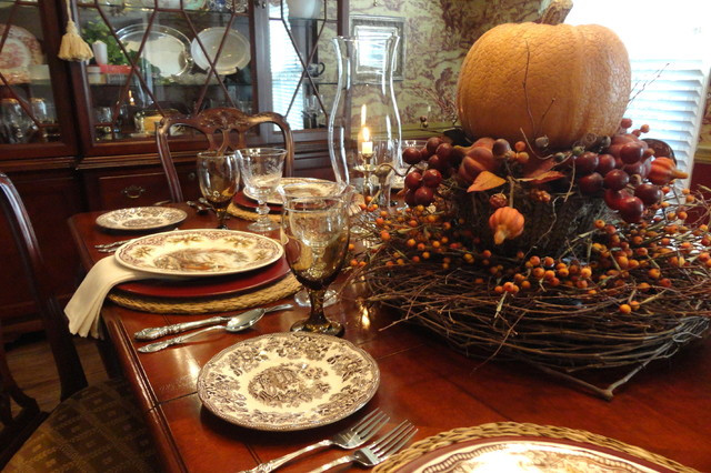Thanksgiving Table Settings  Thanksgiving Table Setting Traditional Dining Room