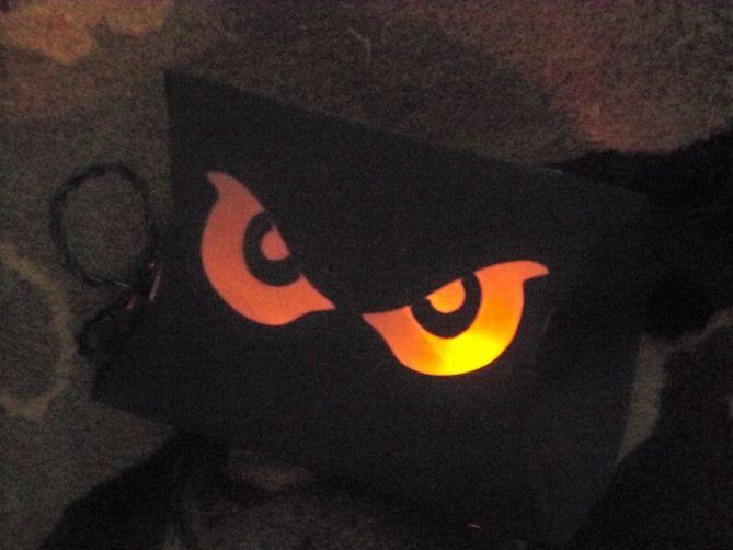 Toilet Paper Roll Halloween Eyes  Halloween Scary Eyes using toilet paper roll and glow
