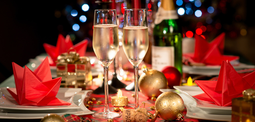 Unique Christmas Party Ideas  Four Creative and Fun fice Christmas Party Ideas