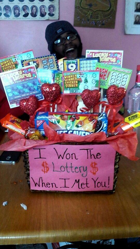 Valentines Gift Ideas For Boyfriends  1000 ideas about Valentine Day Gifts on Pinterest