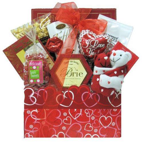 Valentines Gift Ideas For Husband  15 Valentine s Day Gift Basket Ideas For Husbands Wife