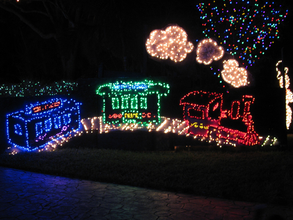 Animated Outdoor Christmas Decorations  Top 10 Biggest Outdoor Christmas Lights House Decorations