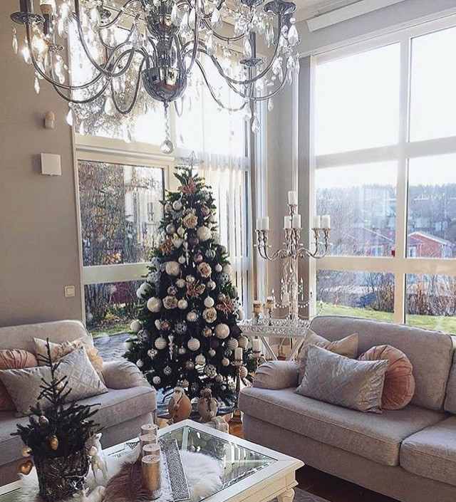 Apartment Sized Christmas Tree  Apartment Christmas Decorations eniGma Magazine