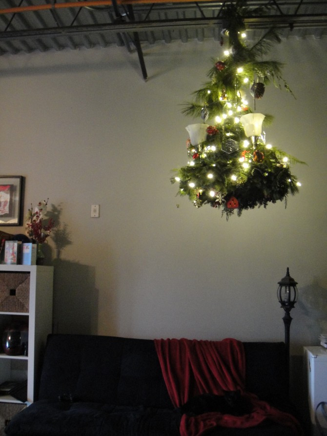 Apartment Sized Christmas Tree  5 Easy Ways to Decorate an Elf Sized Apartment for