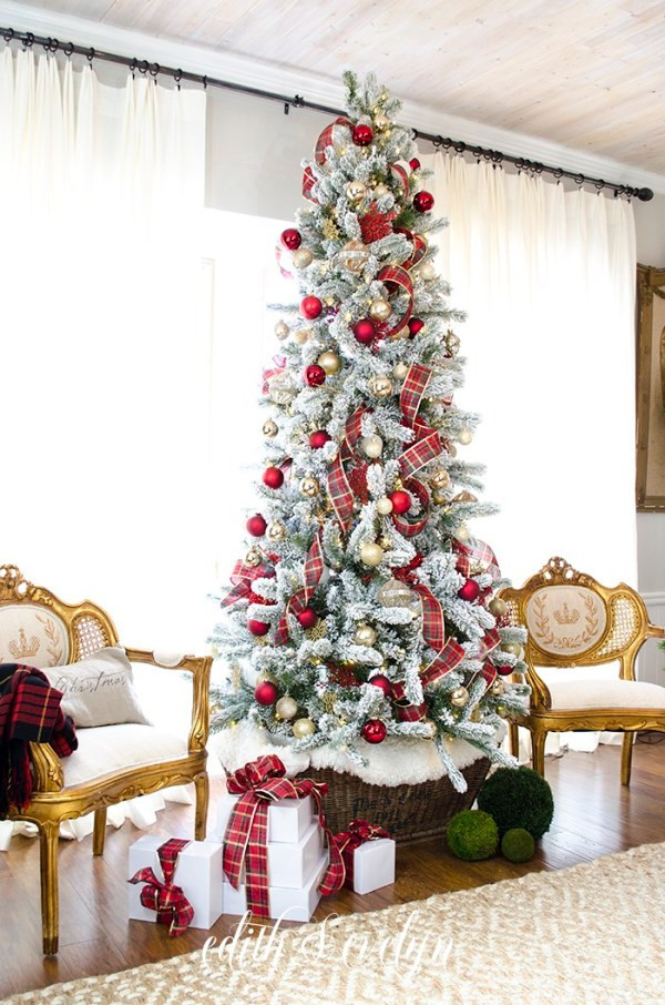 Bedroom Christmas Tree  Master Bedroom Christmas Tree