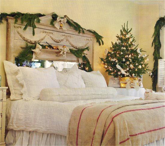 Bedroom Christmas Tree  Easy bedroom small Christmas tree decorating ideas