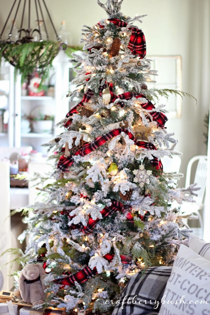 Cabin Christmas Tree  A fy lodge cabin Christmas tree – the details