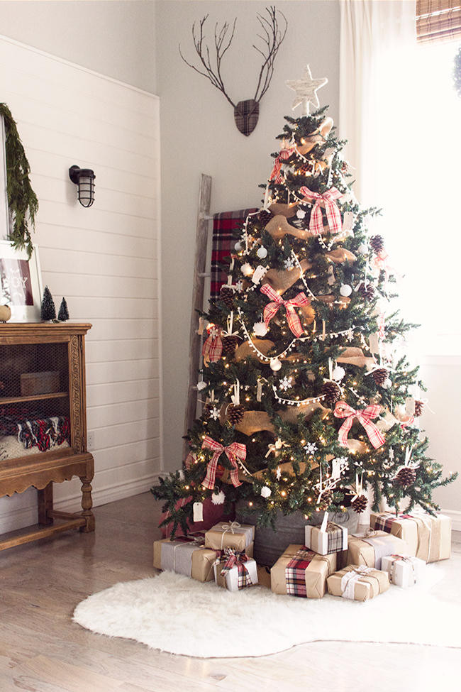 Cabin Christmas Tree  Christmas Tree Themes for Any Style Southern Living