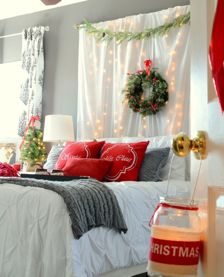 Christmas Bedroom Decorating Ideas  Romantic Christmas Bedroom