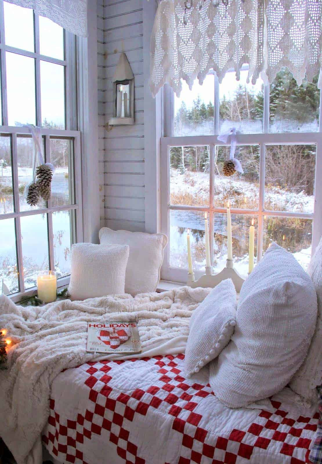 Christmas Bedroom Decorating Ideas  35 Ways to create a Christmas wonderland in your bedroom