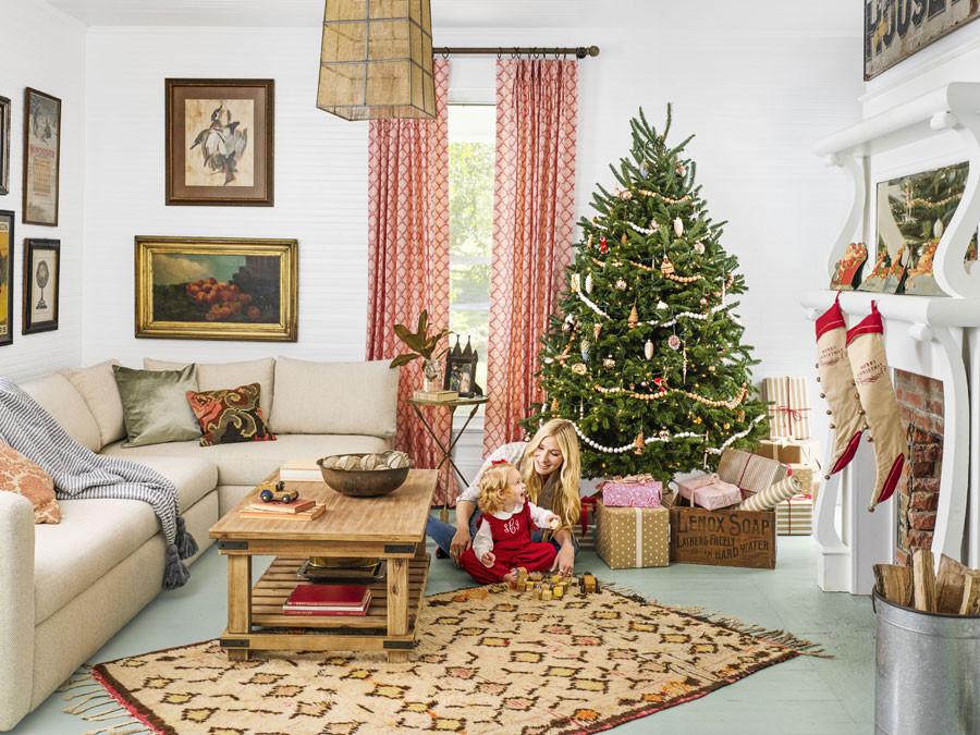 Christmas Decor For Living Room  8 Beautiful Ways To Decorate Christmas Living Room