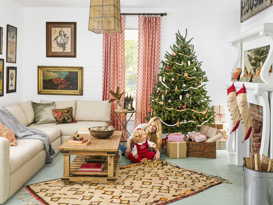 Christmas Decor Living Room  8 Beautiful Ways To Decorate Christmas Living Room
