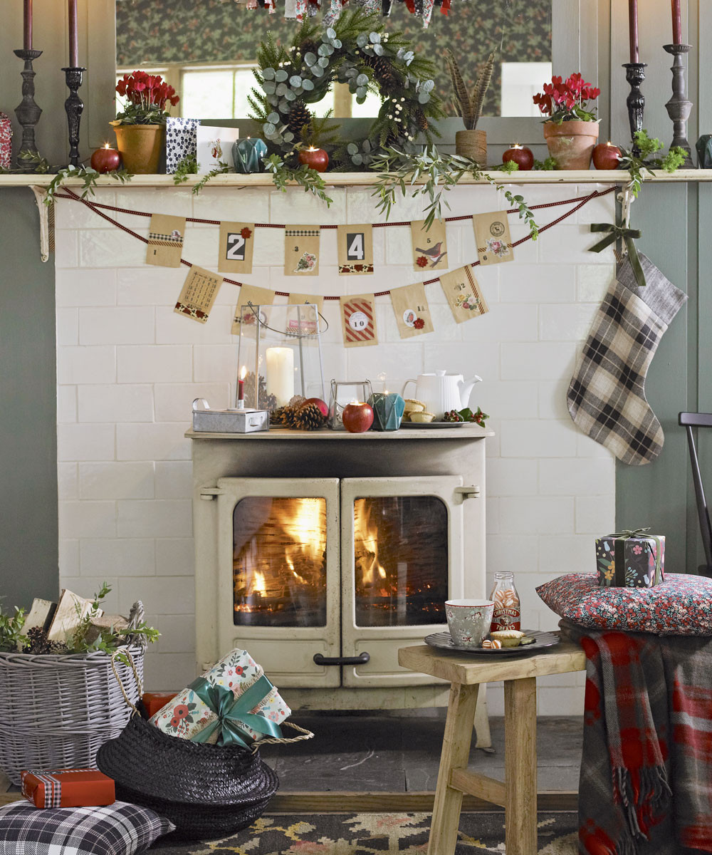 Christmas Decor Living Room  Christmas living room decorating ideas – Living room for