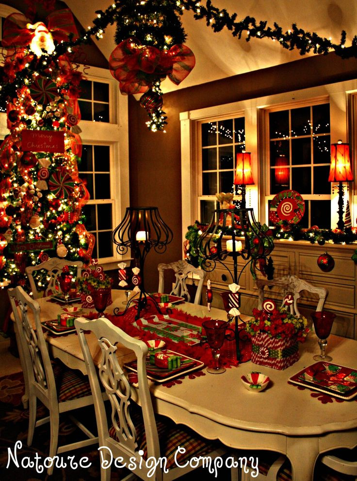 Christmas Dining Room  10 Cozy Homes You'll Want to Snuggle in This Winter