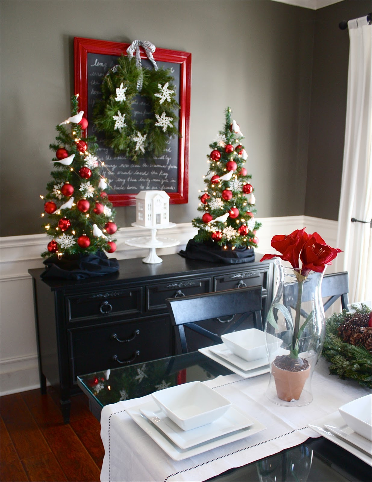 Christmas Dining Room Lovely the Yellow Cape Cod Holiday Home Series Christmas Dining