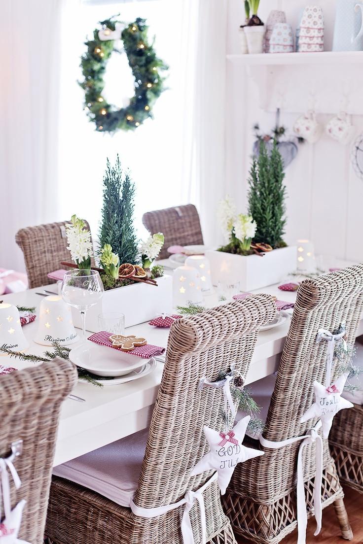 Christmas Dining Room  37 Stunning Christmas Dining Room Décor Ideas