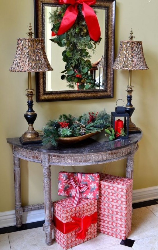 Christmas Entryway Decor  23 Wel ing And Cozy Christmas Entryway Décor Ideas