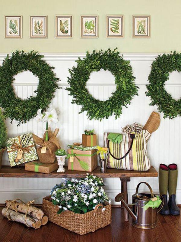 Christmas Entryway Decor  8 Fun & Festive Christmas Entryways