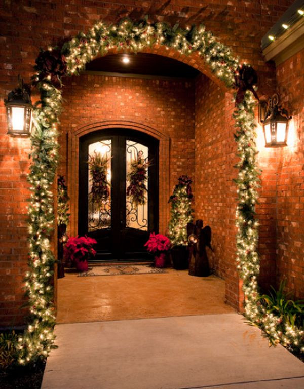 Christmas Entryway Decor  7 Christmas Entryway Décor Ideas