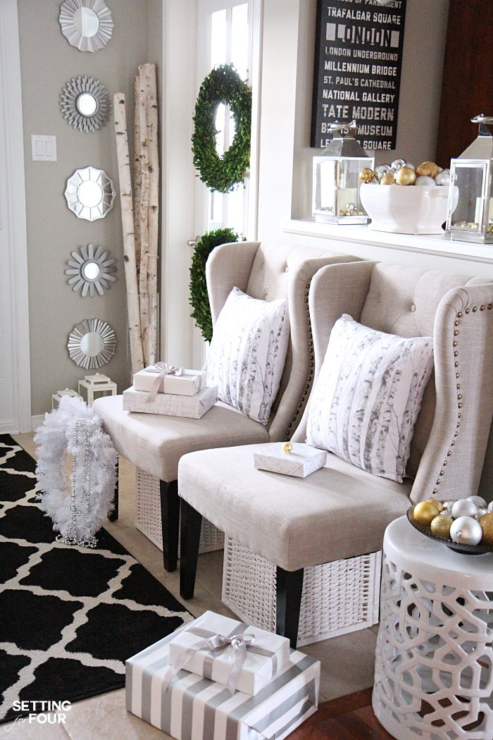 Christmas Entryway Sets  Elegant and Neutral Christmas Foyer Setting for Four