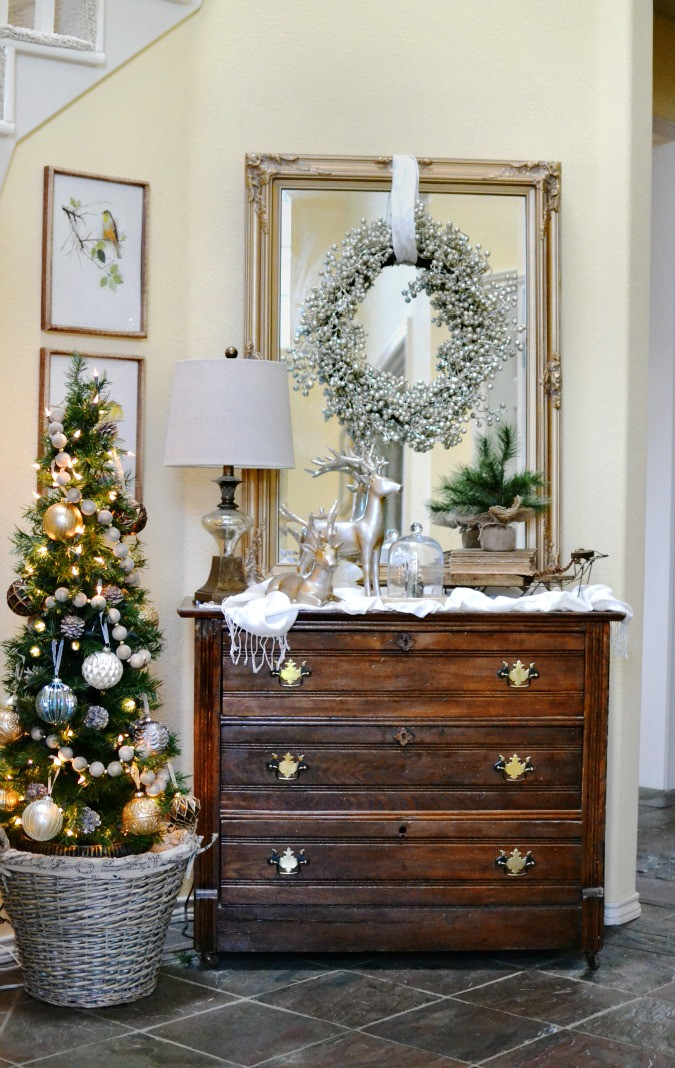 Christmas Entryway Sets  Glam ish Christmas Entry Decor At The Picket Fence