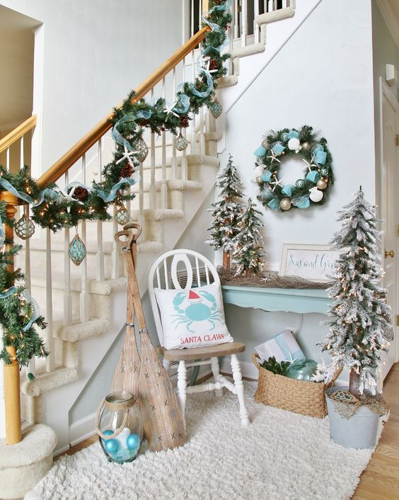 Christmas Entryway Trees  38 Cozy And Inviting Winter Entryway Décor Ideas DigsDigs