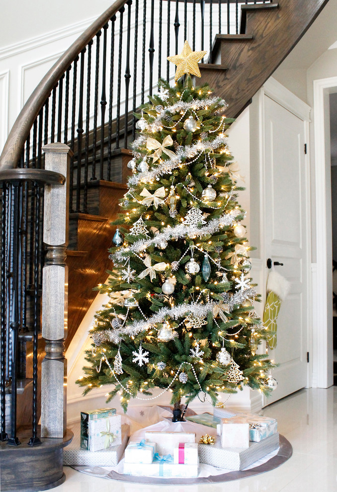 Christmas Entryway Trees  Spruce Up Your Home Right Before the Holidays Here are