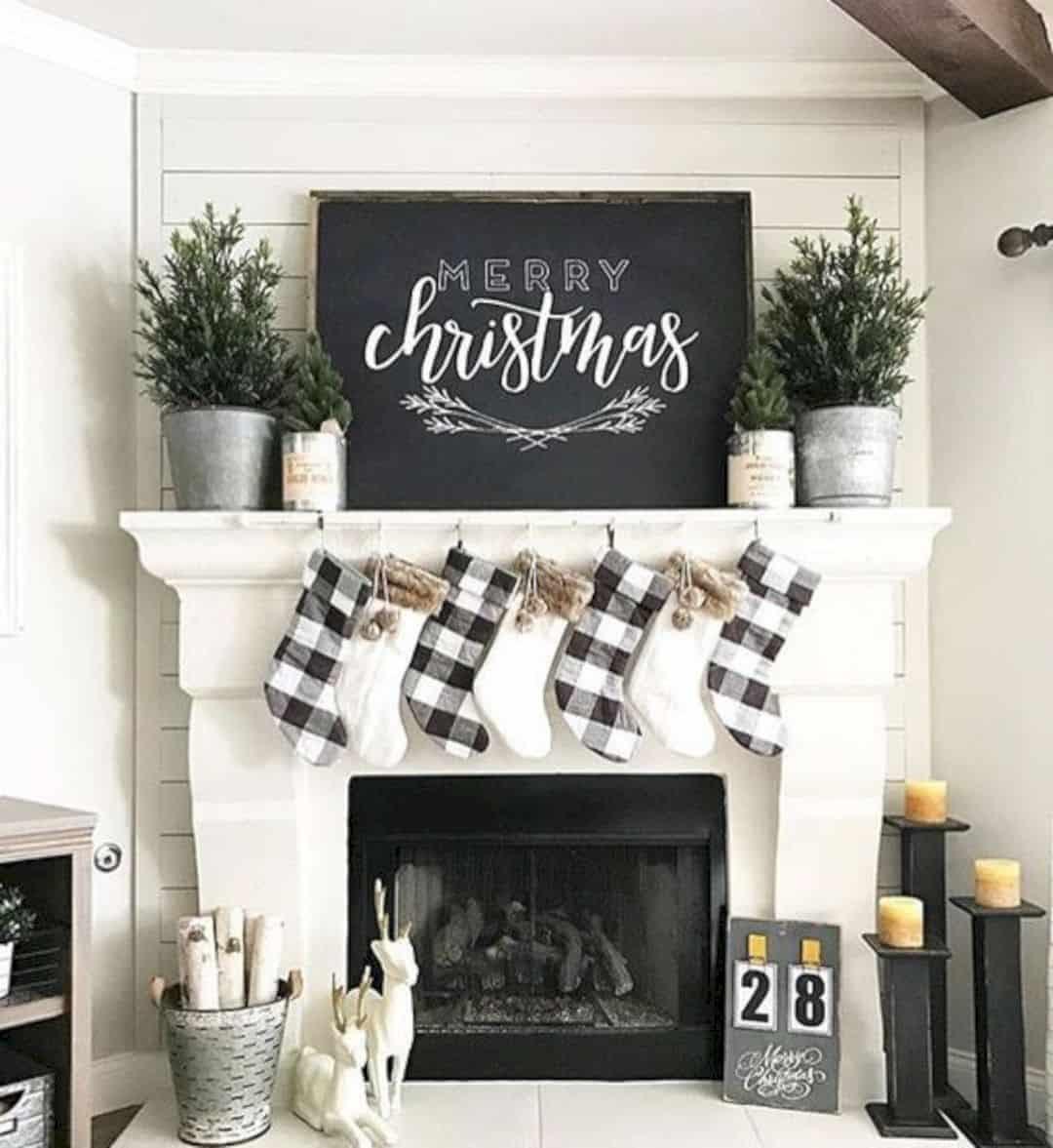 Christmas Fireplace Decor Pinterest  15 Gorgeous Christmas Mantel Decorating Ideas Futurist