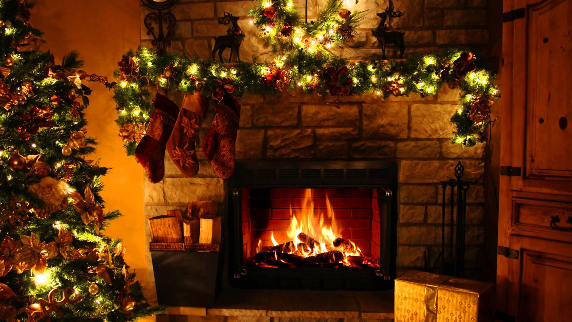 Christmas Fireplace Screensaver  decorating screensavers DriverLayer Search Engine