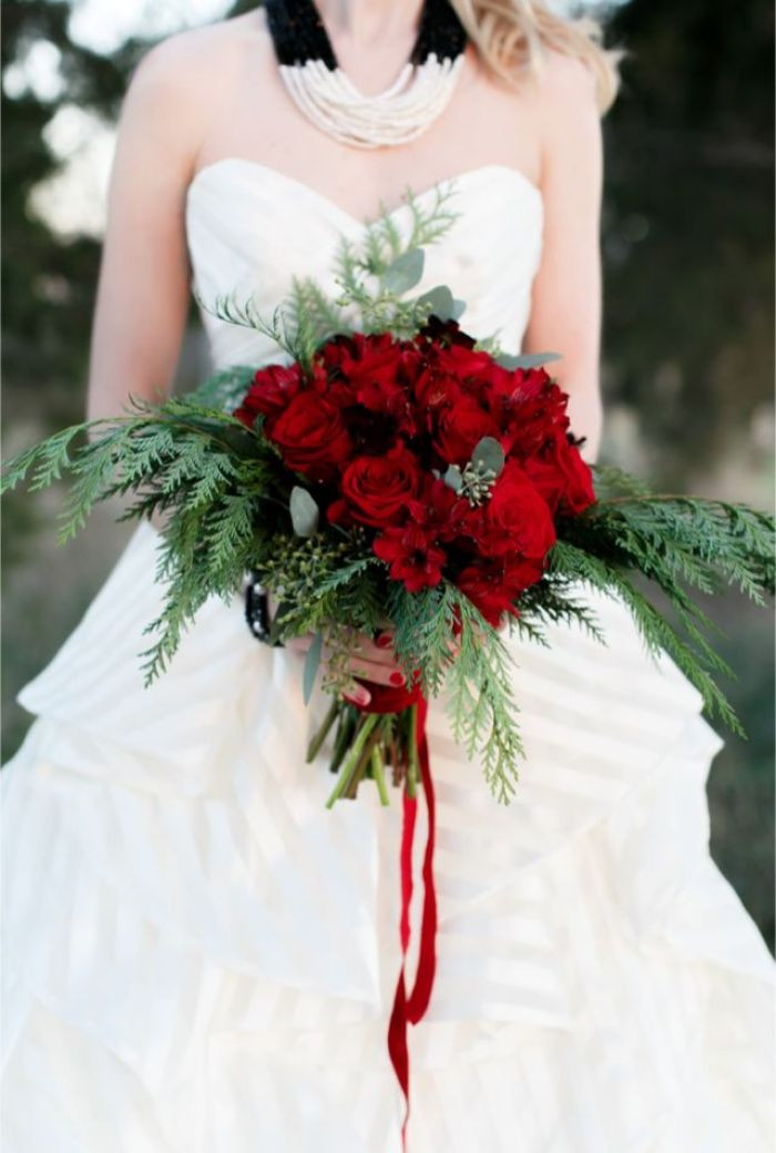 Christmas Flower Bouquets  10 Ways to Rock Your Christmas Wedding