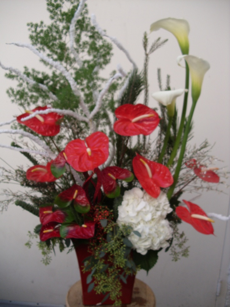 Christmas Flower Delivery Usa  100 best images about Christmas flower arrangements on