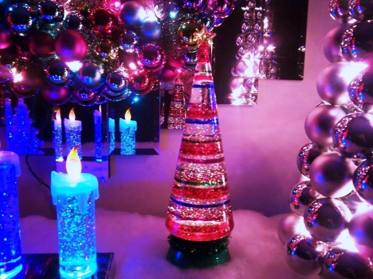 Christmas Lava Lamp  Christmas tree glitter Oozing Goo The Lava Lamp Syndicate