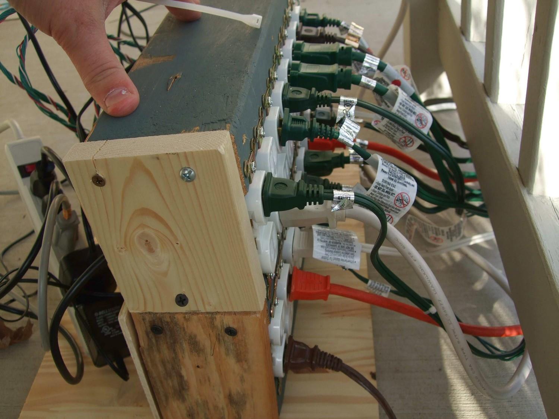 Christmas Lighting Controller System  Parallax BS2 Controlled Christmas Lights Hacked Gad s