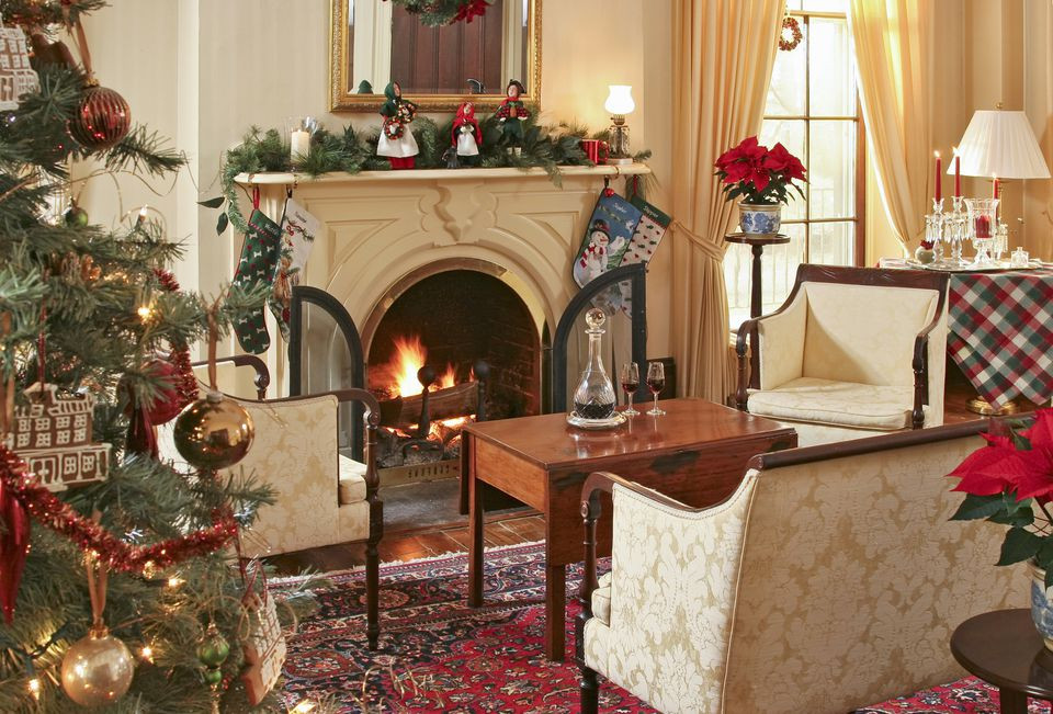 Christmas Living Room Ideas  15 Beautiful Ways to Decorate the Living Room for Christmas