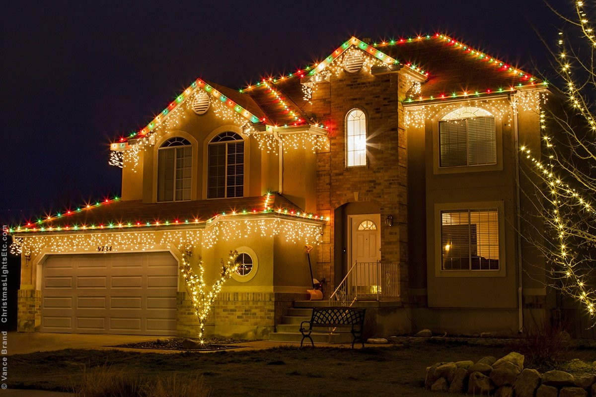 Christmas Rooftop Decorations  Outdoor Christmas Lights Ideas For The Roof