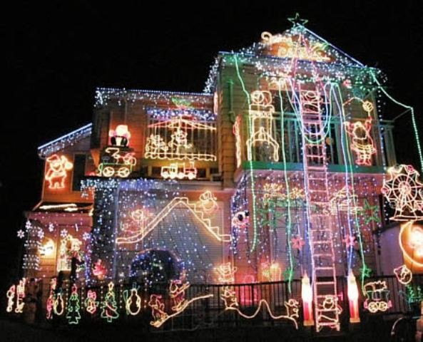Christmas Rooftop Decorations  Top 10 Tips and Safety Warnings Holliday Roof Top