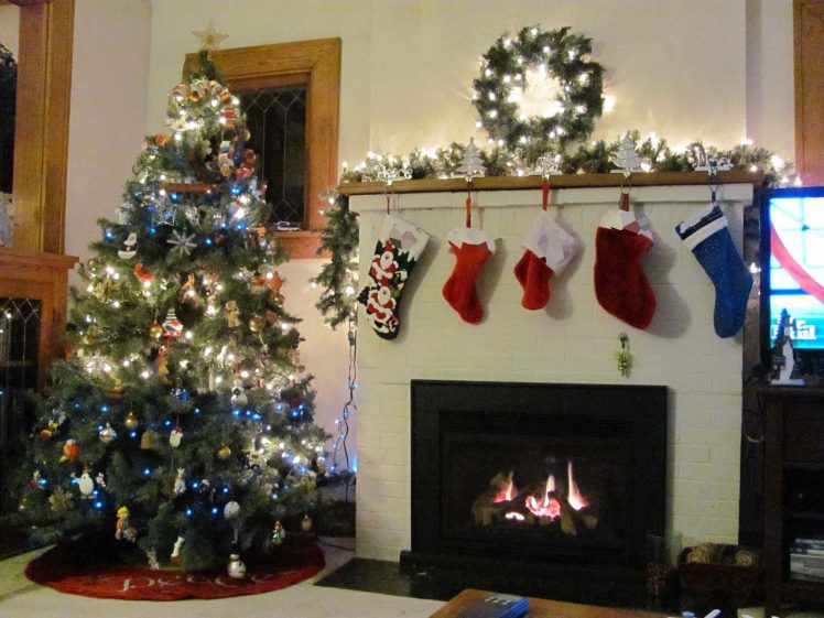 Christmas Themed Fireplace Screen  christmas Fireplace Fire Holiday Festive Decorations