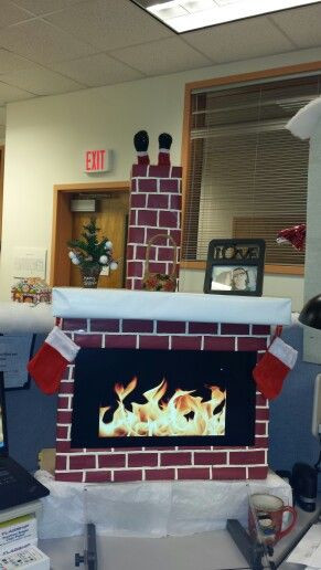 Christmas Themed Fireplace Screen  My puter fireplace for Christmas in cubicles