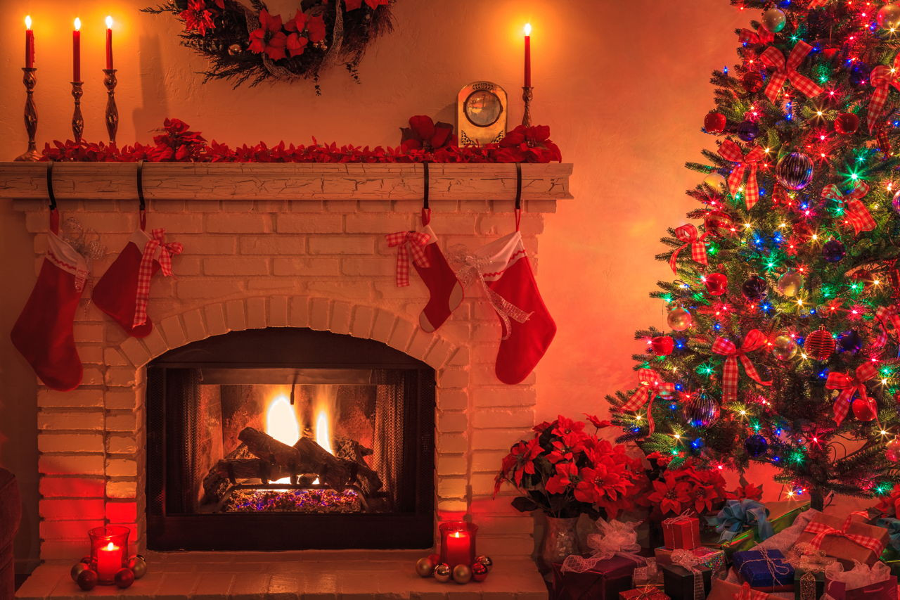 Christmas Tree Fireplace  How to Magnificently Decorate a Mantel for a Wedding Instantly