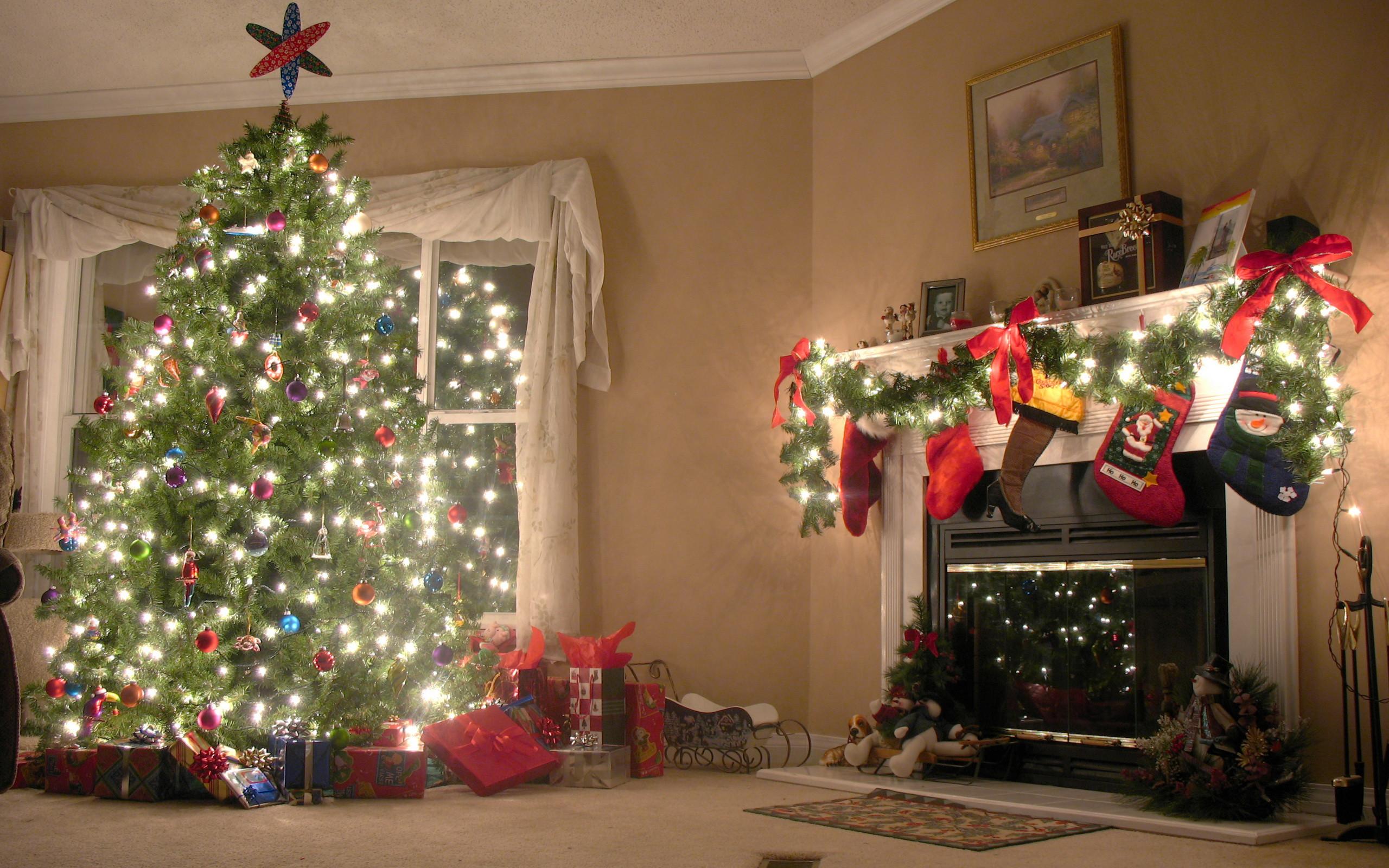 Christmas Tree Fireplace  12 Christmas Fireplace s Ideas