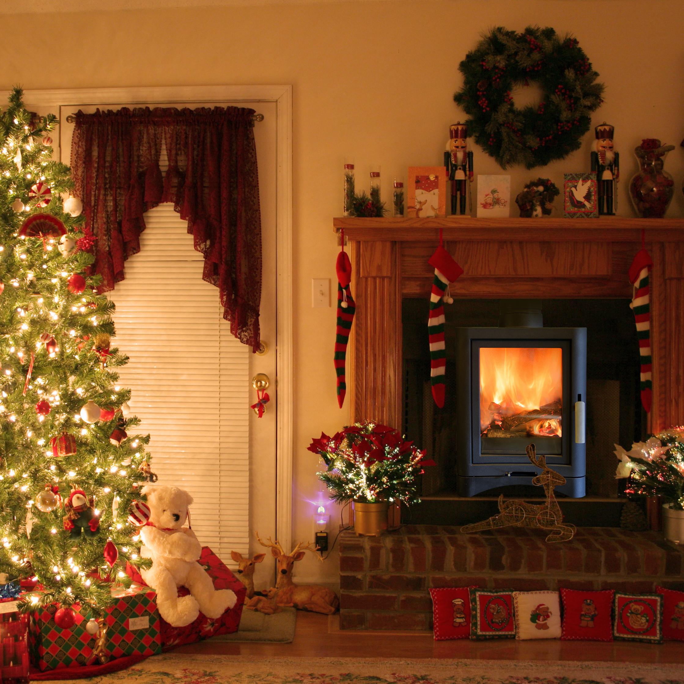 Christmas Tree Fireplace  Christmas Fireplace Decoration – Interior Designing Ideas